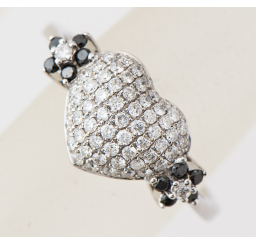 ホワイトダイヤモンドの買取事例02_ホワイトダイヤモンドリング
