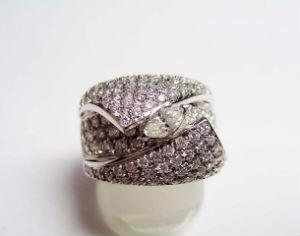 メレダイヤの買取事例02_総カラット数3ctのダイヤリング