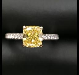 イエローダイヤモンドの買取事例03_イエローダイヤモンド リング